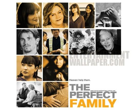 Uma Família Perfeita (The Perfect Family)-CAPA 6